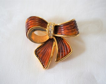 Joan Rivers Classics Bow Brooch Pin