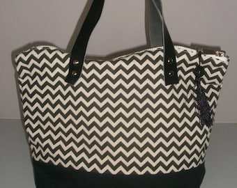 Handbag Black geometric patterns