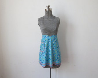 Cutest Vintage '50s Turquoise & Hot Pink Polka Dot Scalloped Half Apron