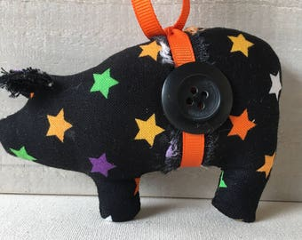Halloween ornaments - pig decor - novelty animal ornaments - farmhouse ornaments - collectible ornaments - novelty gift - pig decor