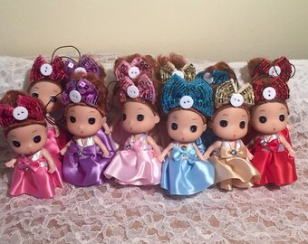 Set of 6 plastic doll keychains/charms