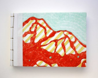 A6 NOTEBOOK HANDMADE RED / mountain / linen cover / sketchbook / journal / travel log / photoalbum /Fabriano paper/Japanese binding