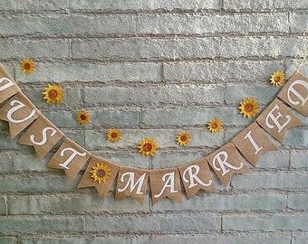 JUST MARRIED Sunflower Banner, Rustic Wedding banner, Wedding bunting, Wedding sign, Wedding decoration, Car decoration, Wedding Photo-prop.