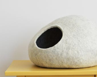 Pet bed / cat bed / cat cave / puppy bed / cat house / pet furniture / cat nap cocoon. Felted cat bed xs, s, m, l, xl or xxl sizes
