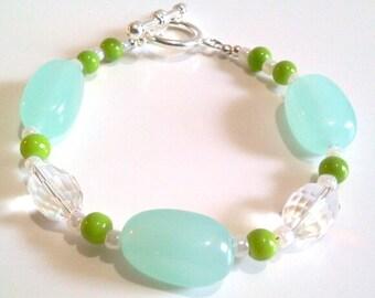 Sea Foam Green Bead Bracelet, Tropical Beach Jewelry Design, Clear Faceted Crystal Jewelry, Aqua Blue Chunky Beaded Bracelet