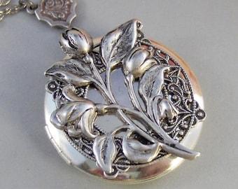 Antique Tulips,Tulip Necklace,Tulip Jewelry,Tulip Locket,Flower Locket,Flower Jewlery,Flower Locket,Spring Locket,Flower,ValleyGirlDesigns