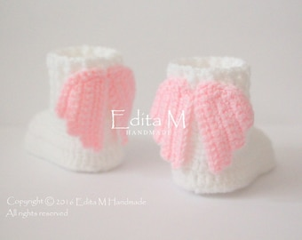 Crochet baby booties, baby shoes, boots, angel wings, photo prop, 6-9 months, Baptism, announcement, baby shower gift, for new parents, mom