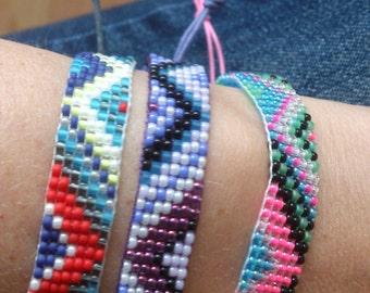 Handgeweven kralenarmbandje/Loom beaded bracelet/Bohemian gypsy bohochic beach stack colourful native inspired bracelet