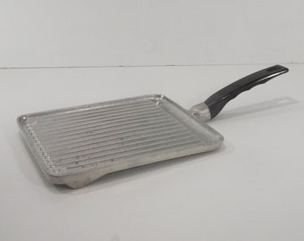 Vintage french Pan Grill / BBQ Grill Pan Cast / Cast Aluminum Kitchenware / Country Kitchen