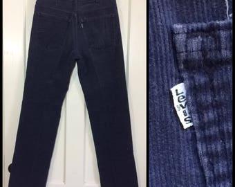 1970s Levi's 519 corduroys 32X33, measures 31x32 dark blue straight leg corduroy jeans Talon zipper made in USA #1599