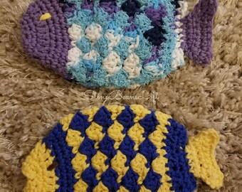 Fish dish scrubbies, crochet dish scrubbies, washable dish scrubbies, kitchen sponges, washable fish dish sponges