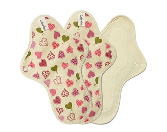 """11"""" Washable Cloth mama pads / Cloth menstrual pads for period / Cloth pad set / Cloth menstrual pads heavy - 3 Large pads (Pink heart)"""