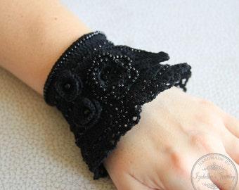 Crochet beaded cuff bracelet in Gothic/Boho style