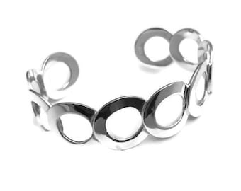 Sterling silver Circle style modern bangle