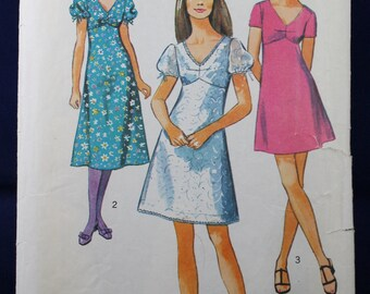 1970's Dress Sewing Pattern in Size 12 - Simplicity 8732