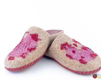 "Womens slippers ""Aquilegia"" 
