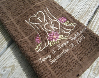 Unique Personalized Kitchen Towel, Monogrammed Wedding Gift, Personalized Anniversary Gift, Mother's Day, Bridal Shower Gift, Kitchen Decor