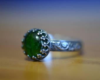 Chrome Diopside Ring, Natural Forest Green Stone Ring, Personalized Jewelry For Women, Custom Engraved Oxidized Sterling Silver Floral Ring
