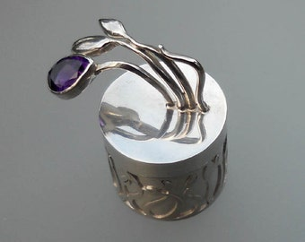 Little silver box with amethyst flower