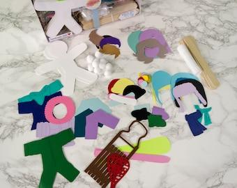 Papier Puppe Doll Handwerk Kit Winterspaß Geschenk für Kinder-Set von 6 Schnee beschlagen, Skifahren, Rodeln, Snowboarden, Schnee Ball kämpfen