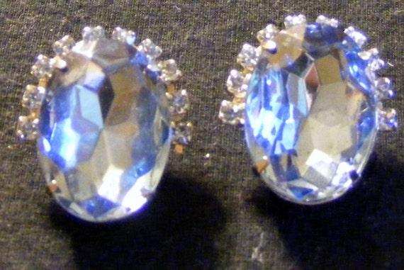 BLUE STONE & RHINESTONES, 1950's Clip-On Earrings