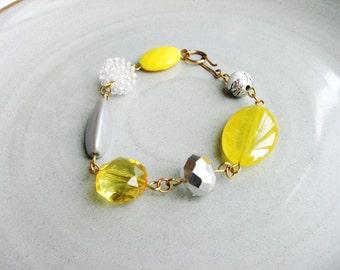 Chunky Beads Bracelet Grey Beads Yellow Beads Stackable Statement Bracelet Minimalist Jewelry Beaded Bracelet Simple Fashion Bracelet