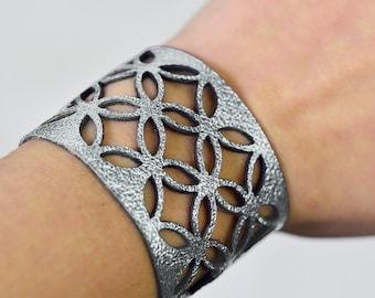 Azulejo wide leather cuff