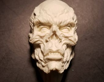 Red Skull / Pale One  relief unpainted