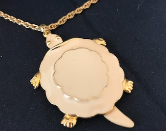 Beautiful Enameled ART Vintage Turtle Pendant Necklace - Never worn
