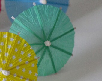 Party favor Summer umbrella Cup Cake Toppers (10 pcs) minty green