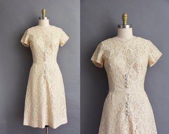 vintage 1950s cream cotton lace wiggle party dress 50s vintage Medium cream lace wiggle dress