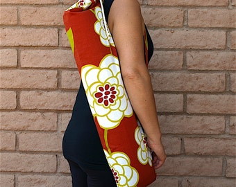 Yoga Mat Bag in rust orange fabric with drawstring and cord lock and pocket, Handmade, yoga sling, yoga mat carrier, yoga sac, MODERN FLORAL