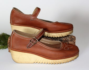 Vintage MARY JANE WEDGES *The Original Cherokee Of California *Dated 1981 Rubber Gum Sole Shoes *Preppy Schoolgirl Kicks -Women's 8 1/2