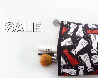 Black and White and Red Cat Print Zipper Pouch