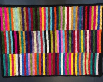"Hand hooked wool rug 17.5""x25"""