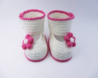 Crochet baby booties Flower Baby shoes Baby boots Newborn baby gift, Baby crochet booties, Baby girl gift, Baby girl boots, New baby girl