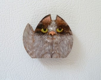 Cat Magnet, Animal Magnet, Fluffy cat, Cat lady gift, One of a Kind Magnet, Unique gift, Hand painted magnet, Kitty magnet, Pet magnet