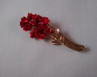 Vintage Bouquet of Roses Pin