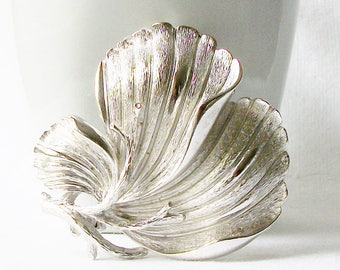 Vintage Large Leaf Brooch, Large Leaf Lisner Brooch, Vintage Statement Brooch, Large Silver Lisner Pin , Costume Jewelry