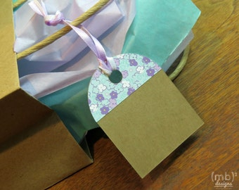Flowers and Kraft Hang Tags / Gift Tags / Favor Tags