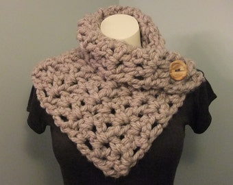 Super Chunky Button Cowl // Chunky Button Neck Warmer // Undercoat Button Scarf // Stylish Button Wrap // Fall Fashion // Gifts for Her