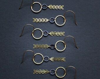 Blattgold Art Deco Ohrringe Ohrhänger Natur Schmuck Messing baumeln Ohrringe Pflanze botanischen Ohrringe - Aurelia Ohrringe