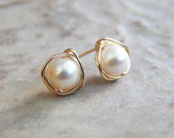 Pearl 14k Gold Stud Earrings, AA Freshwater Pearls, June Birthstone, Gift For Wife, Pearl Earrings, Bridesmaids Gifts, Bridal Jewellery