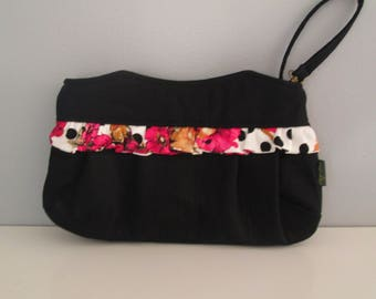 Small Black Clutch, Wristlet Clutch, Black Clutch Purse, Evening Clutch, Wedding Accessory, Bridesmaid Clutch