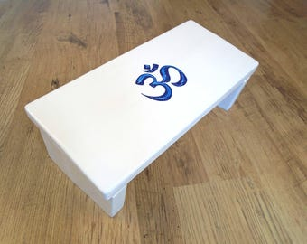 Meditation stool with Om symbol - Wooden meditation aid - White meditation bench -  Meditation chair with Om symbol - Kneeling prayer bench