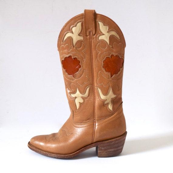 Vintage 60s 70s TEXAS Caramel Brown Cut Out Cowboy Boots (size 5.5M)