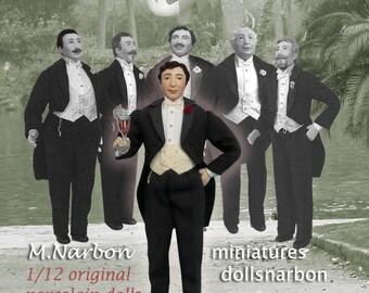 Gentleman with tailcoat, 1:12 original porcelain doll