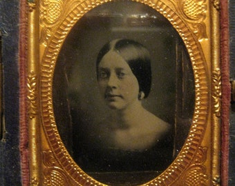 Antique Ambrotype/Daguerreotype  in Case, Young Woman, Hand Tinted