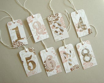 Set of 8 gift tags in fancy 230 g paper