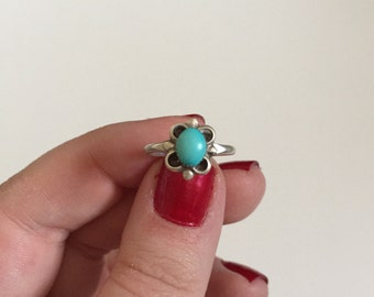 Petite Vintage Sleeping Beauty Turquoise 925 Sterling Silver Ring